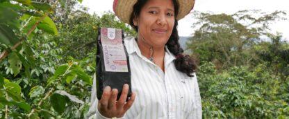 medewerker van vrouwencoöperatie Aprolma