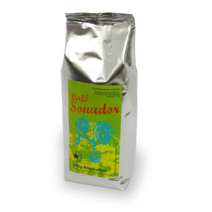 traditioneel geproduceerde koffiebonen van ecologisch centrum Finca Sonador