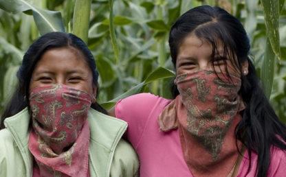vrouwen van de zapatistabeweging op hun democratische koffieplantage