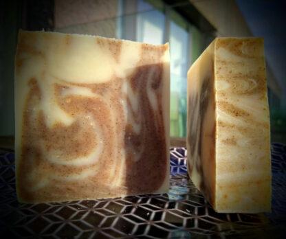 natuurlijke huidvriendelijkezeep op basis van groene thee en etherische oliën